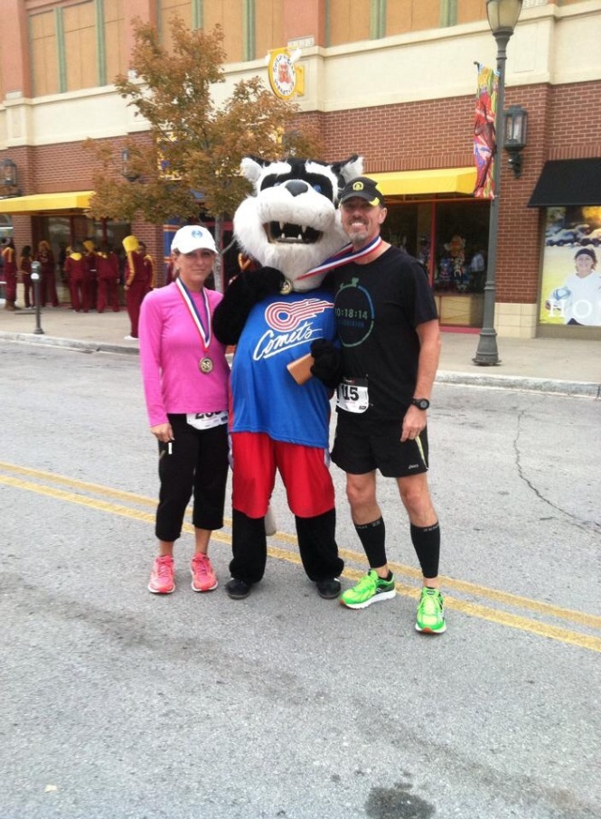 Shelly Byrd and Don Ledford at the 5K fundraiser for Feed Northland Kids, held at Zona Rosa.